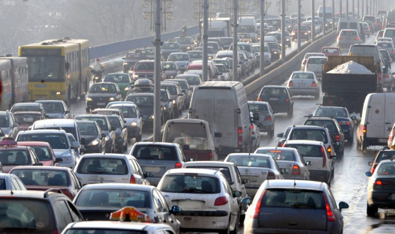 Transporte-Público-vs-Automóviles