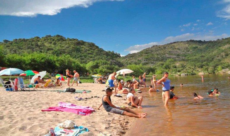 La-Playa-de-los-Hippies-en-Cuesta-Blanca