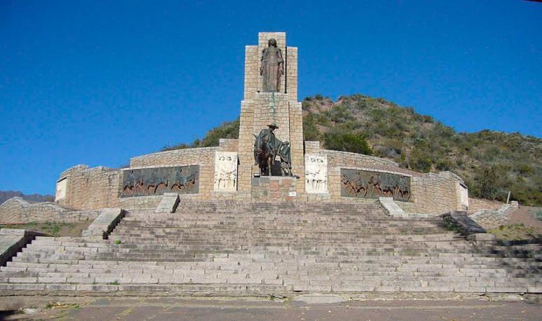 Cruce-los-Andes-Manzano-histórico-tunuyan