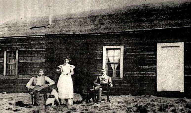 De derecha a izquierda Sundance, Etha Place y Cassidy
