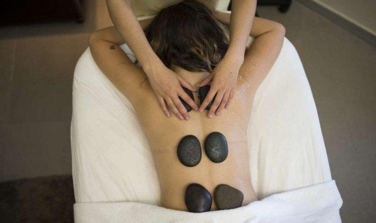 termas masaje con piedras