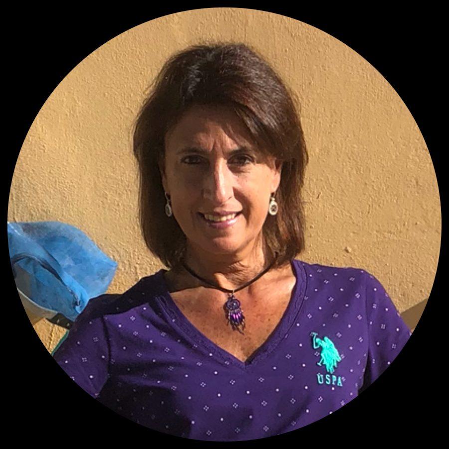 Amalia R Lozano