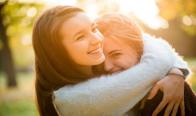 Amigos Abrazos