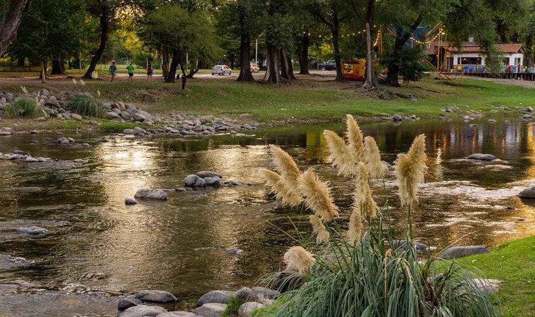 Río en Villa Yacanto