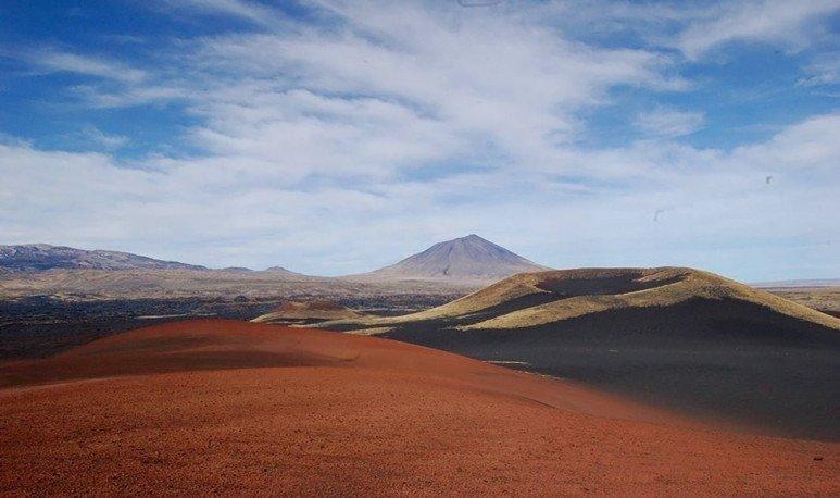 vista de volcanes en La Payunia