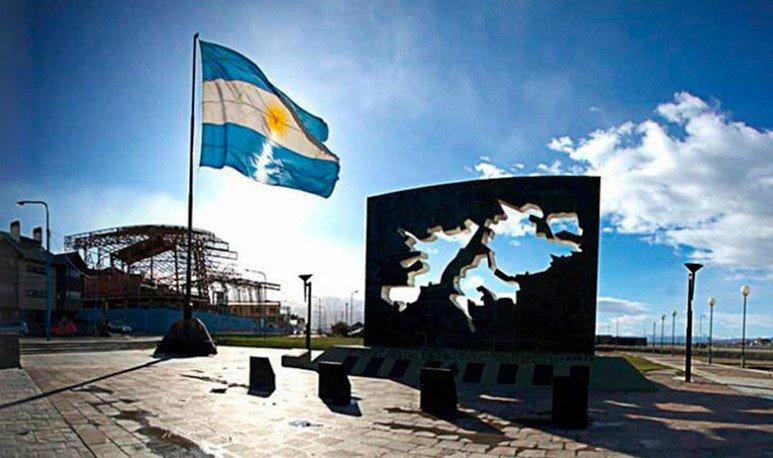 bandera-argentina-en-Malvinas