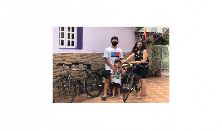 flia q i travel by bike