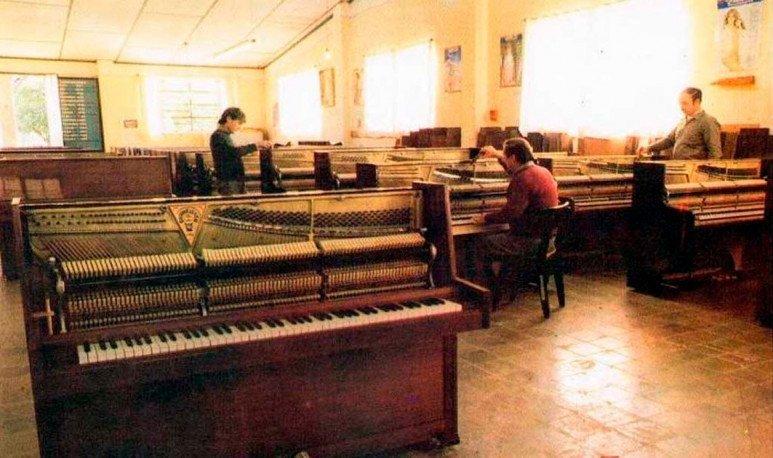 fábrica de pianos