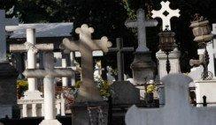 De puñales y tumbas
